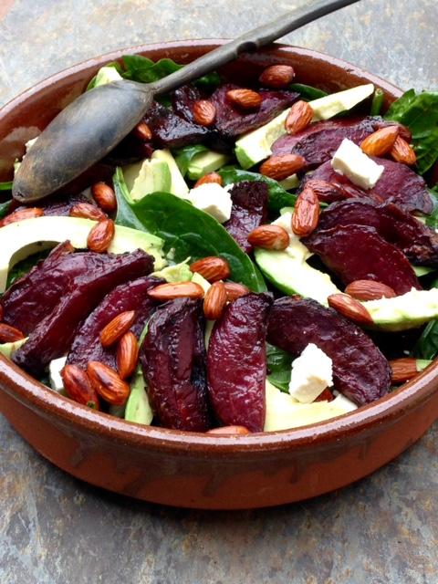 Salade épinards betteraves rôties général